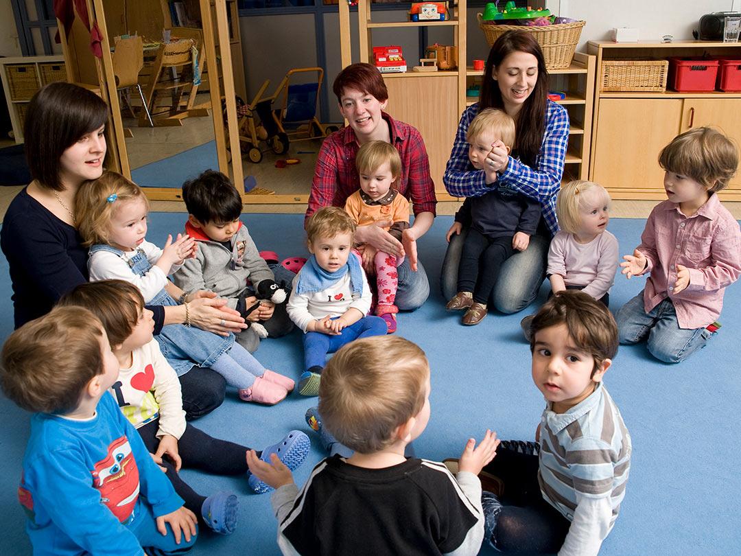 Kinderkrippe Stärnschnuppe altersgemischte Gruppe: Singkreis