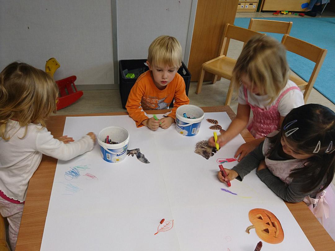 KITA Stärnschnuppe Basteln und Malen: gemeinsam Malen