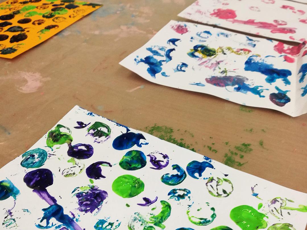 KITA Stärnschnuppe Basteln und Malen: Stempeln