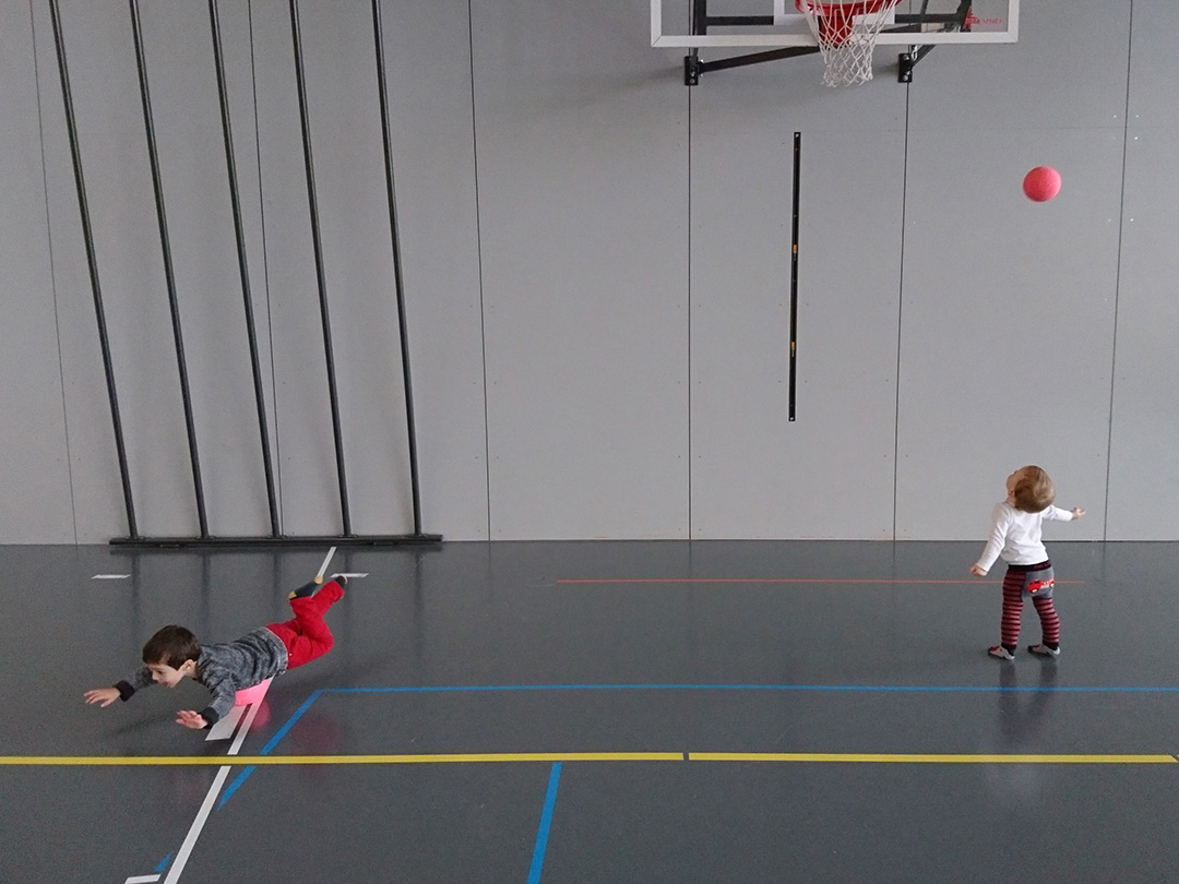 KITA Stärnschnuppe Bewegung: MontagsTurnen Balleinsatz