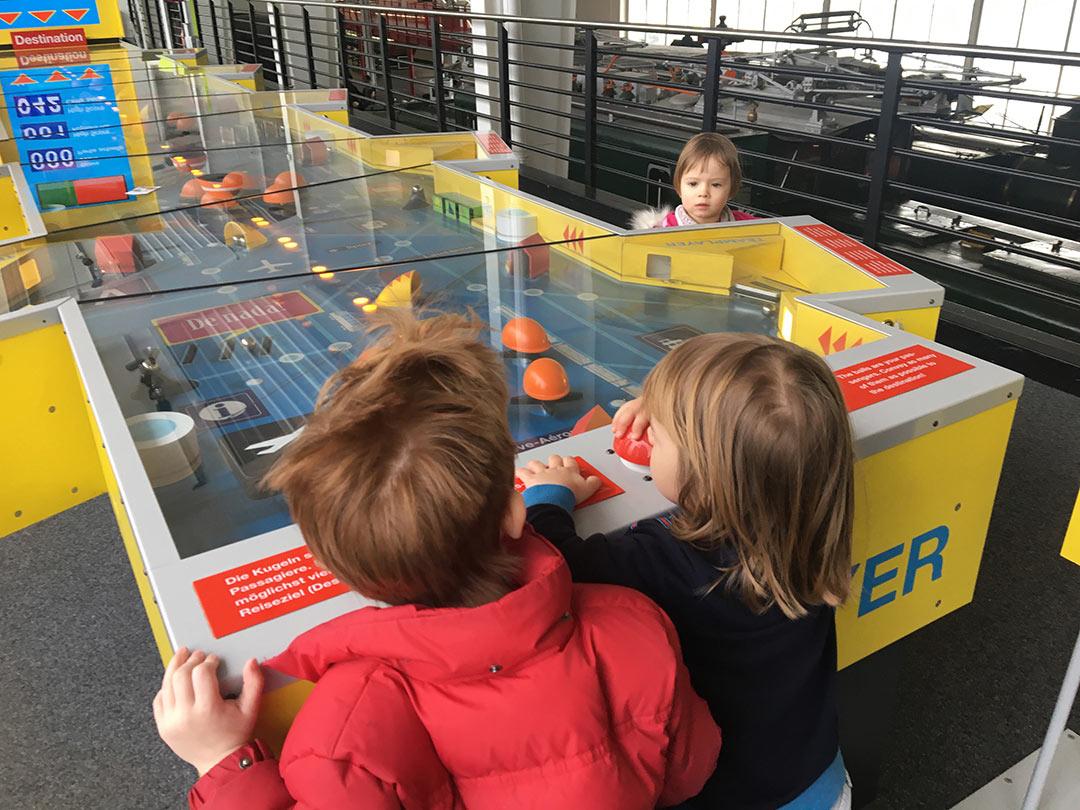 KITA Stärnschnuppe Ferienbetreuung Fasnacht: Verkehrshaus Flipperkasten