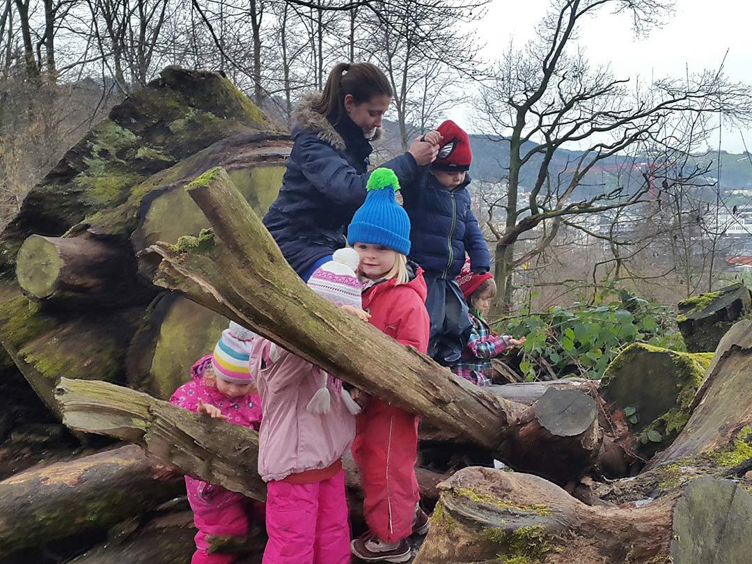 KITA Stärnschnuppe Waldgruppe: Balancieren